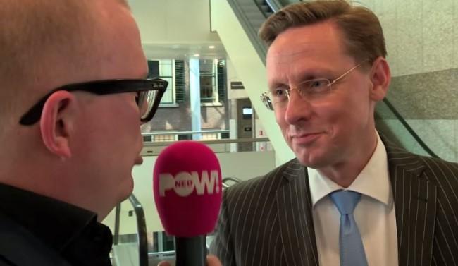 Er is in Nederland een generatie die zenders op t.v. heeft waarop een heleboel rotzooi de huiskamer binnenkomt. Han ten Broeke van 'PVV met leden': Eigen business model eerst.